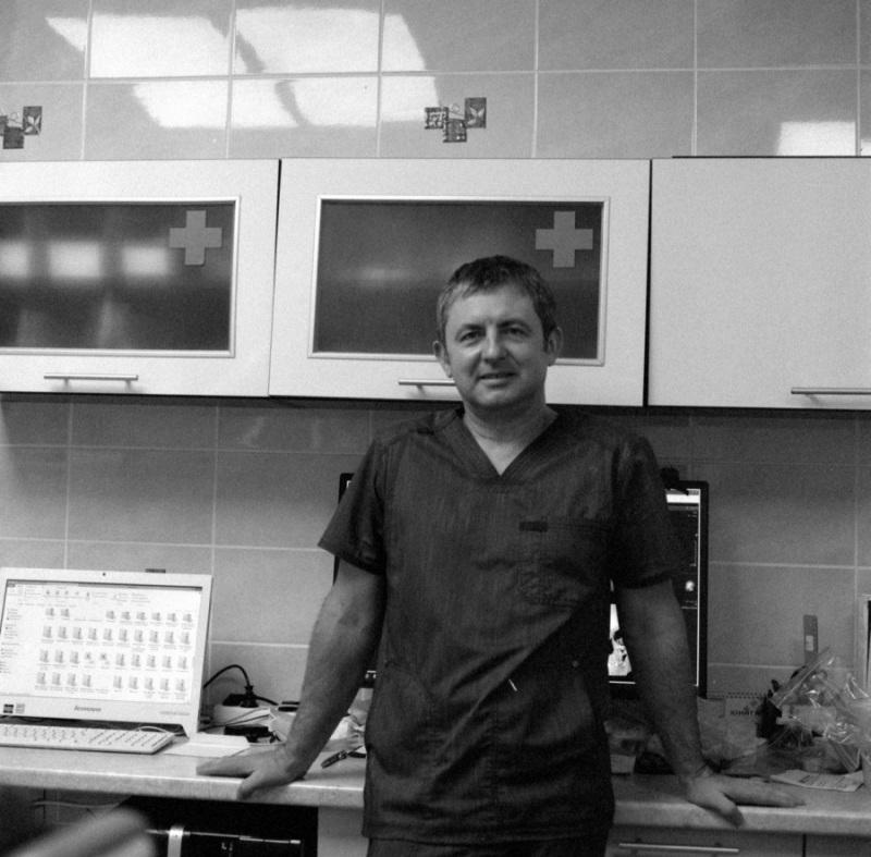 Врач-хирург стоматолог Алексей Ползунов.